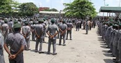 Nigeria Customs Promotes 1,924 Officers