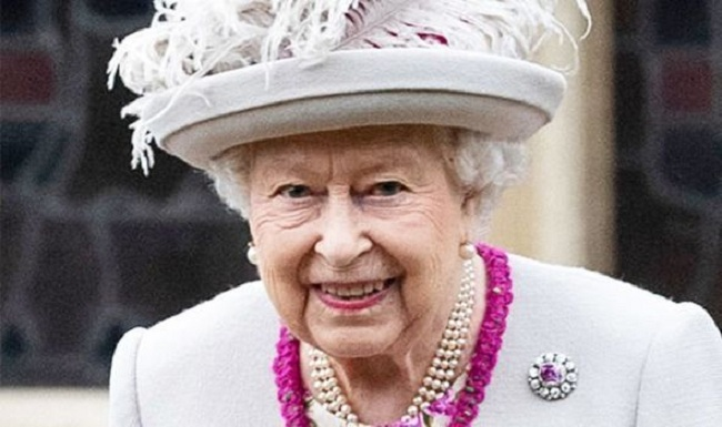 Queen of England congratulates Nigeria at 60, Urges Buhari To Restructure The Country Now