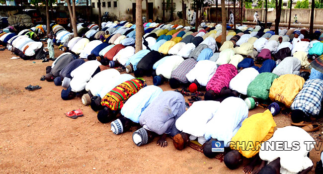 COVID-19: Some Muslims In Nassarawa, Kano Others Disregards FG's Social Distancing Orders, Marks Eid-El-Fitr (see Photos)