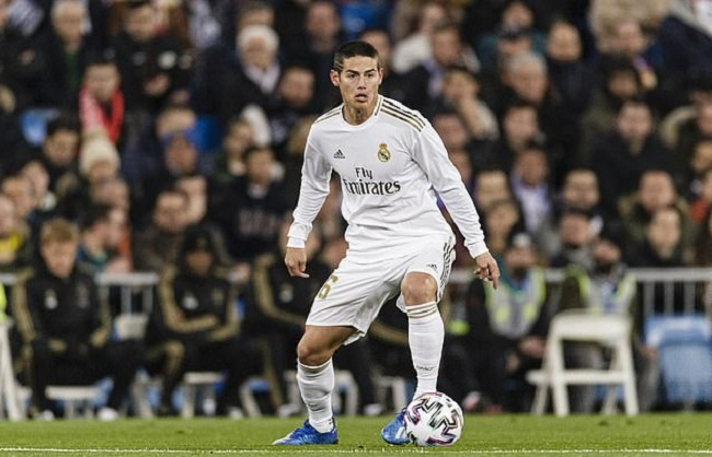 Manchester Unitedare considering a move to sign Real Madrid midfielderJames Rodriguezin a cut-price deal, according to The Sun.